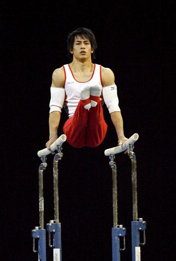 图文-体操世锦赛男子全能战况富田洋之标准支撑