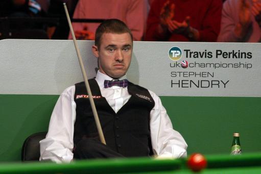 图文-斯诺克英锦赛两传奇对决亨德利无奈失误