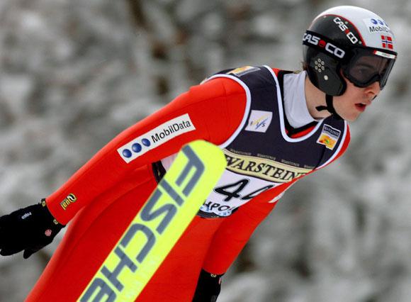 世界杯跳台滑雪洛伯丁站勇敢者得运动