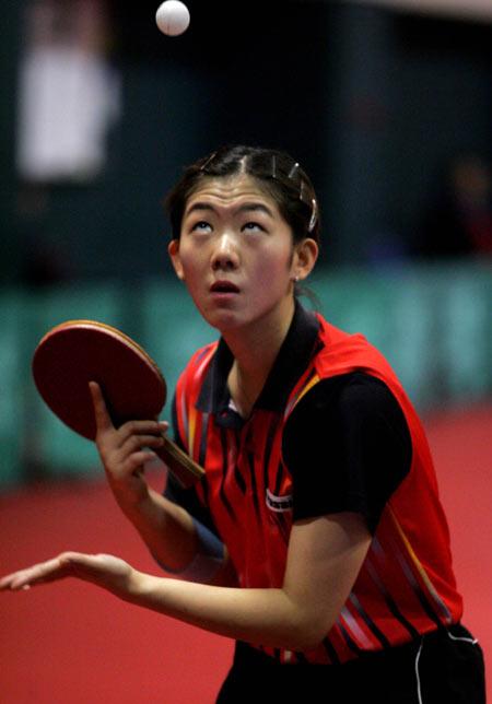 中国乒乓球队进入冬训牛剑锋归队参加训练