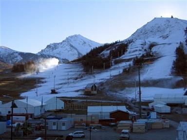 图文-都灵冬奥塞斯特雷滑雪场征服雪山征服世界