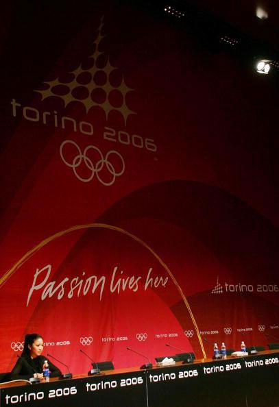 图文-关颖珊宣布退出冬奥会五环下冰美人难圆梦