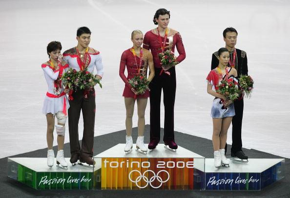 图文-冬奥颁奖图大全双人花样滑俄罗斯组合夺冠