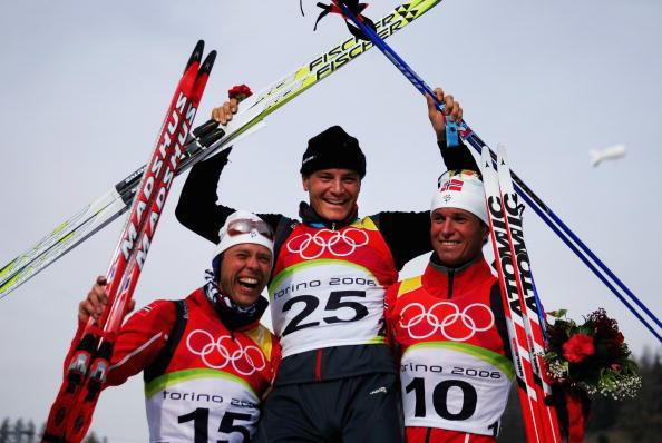 图文-冬奥颁奖图大全冬季两项男子10公里菲舍尔夺冠