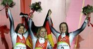 图文-女子单人无舵雪橇德国包揽前三集团军的优势