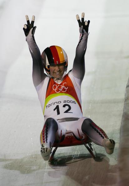 图文-女子单人无舵雪橇德国包揽前三亚军克劳夏尔