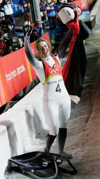 图文-女子单人无舵雪橇德国包揽前三奥托无比兴奋