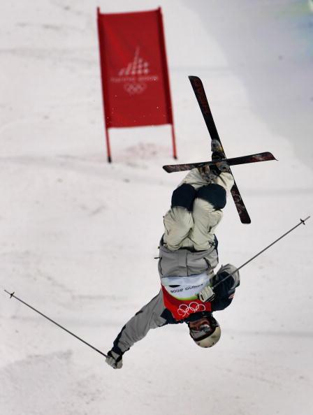 图文-自由式滑雪男子雪上技巧直升机机械故障