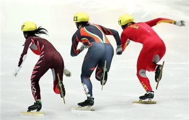 图文-短道速滑女子500米复赛王�魍昝赖某�越