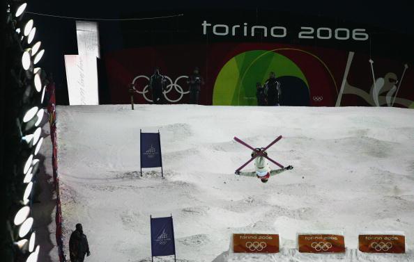 图文-自由式滑雪男子雪上技巧人雪一体最高境界