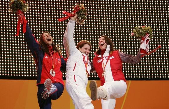 图文-冬奥颁奖图大全俯式冰橇女子赛佩特森夺冠