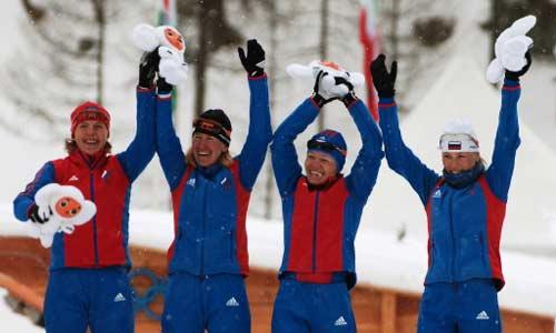 图文-冬奥颁奖图大全越野滑女子4x5公里俄罗斯夺冠