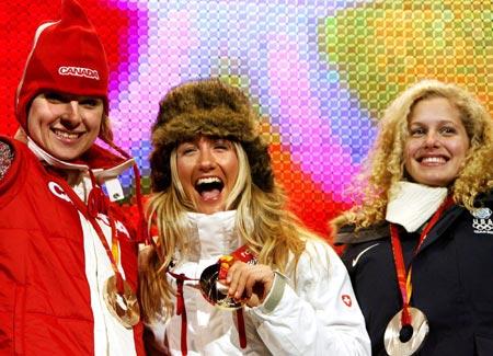 图文-冬奥颁奖图大全女子单板滑雪越野赛弗里登夺冠