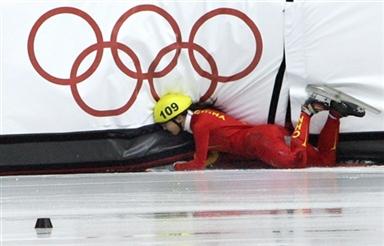 图文-短道速滑女子1500米预赛程晓蕾意外出局