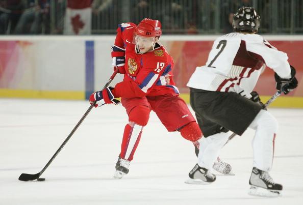 图文-[男子冰球]俄罗斯VS拉脱维亚技术娴熟