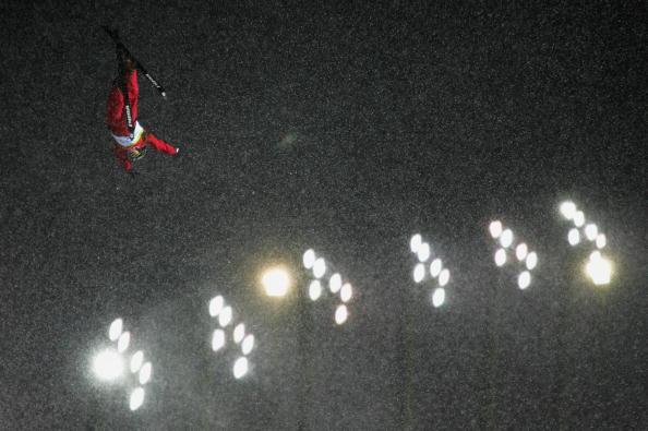 图文-自由式滑雪空中技巧资格赛王姣赛前训练