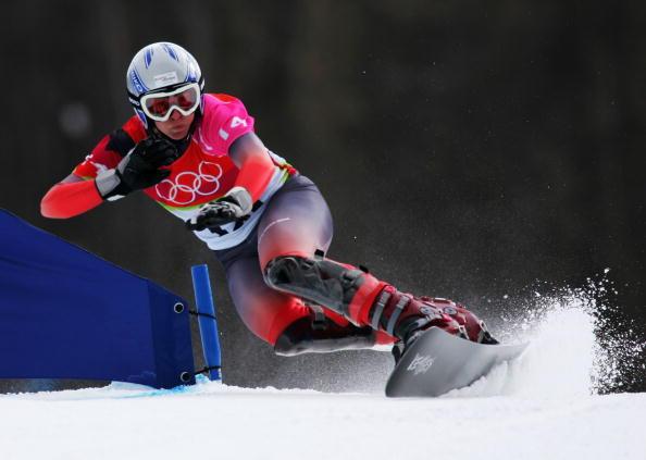 图文-单板滑雪女子平行大回转五环照耀下