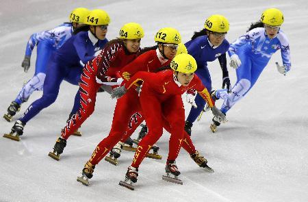 图文-短道速滑接力中国队成绩取消程晓蕾与杨扬