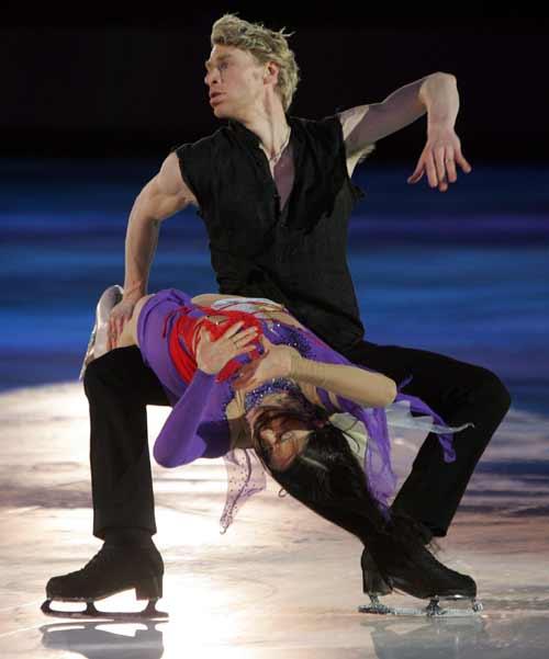 图文-冰舞表演赛激情四溢法国组合倾情演绎