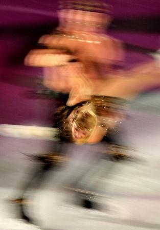 图文-冬奥冰舞表演激情洋溢最像幻觉的图片