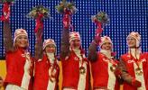 图文-冬奥会25日冰壶赛颁奖典礼季军加拿大队