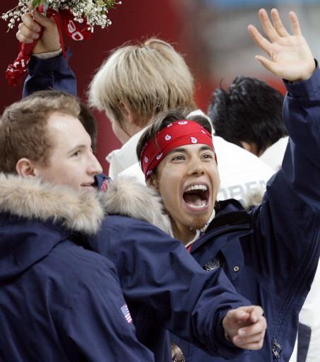 图文-短道速滑男子5000米接力阿波罗乐的真开心
