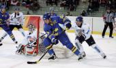 图文-[男子冰球]芬兰VS瑞典瑞典队门后迂回