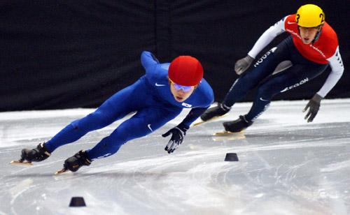 图文-短道速滑世锦赛500米预赛安贤洙领跑群雄
