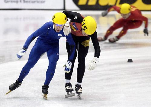 图文-短道世锦赛男子5000米接力韩国犯规痛失金