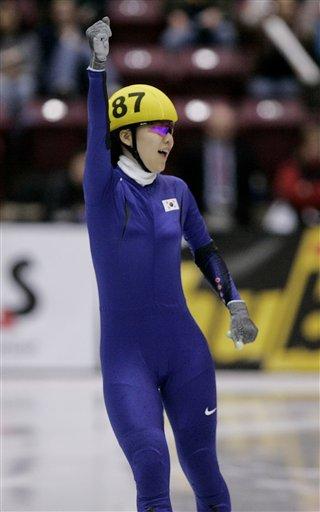 图文-世锦赛陈善有1000米夺冠这枚金牌来之不易