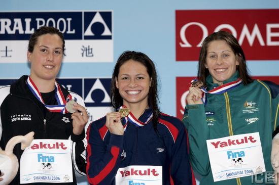图文-短池世锦赛女子100米蛙泳科克笑容灿烂