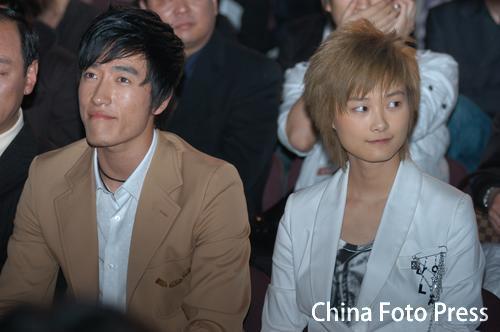 图文-06中国十佳劳伦斯颁奖刘翔李宇春对对碰