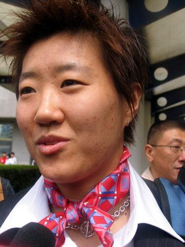 图文-中国乒乓球队出征不莱梅郭焱信心十足