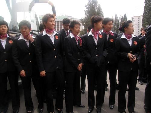 图文-中国乒乓球队出征不莱梅整队!出发!