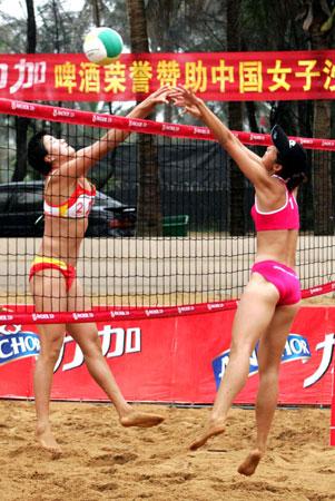 力加杯全国沙滩排球巡回赛双美网前争艳