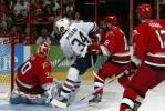 图文-NHL总决赛北卡飓风队捧杯乱军突围舍我其谁