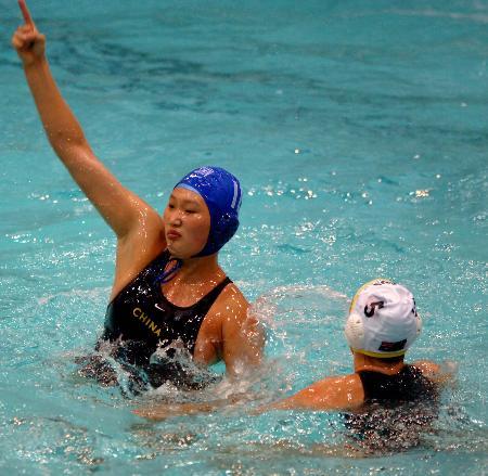 图文-世界水球联赛中国一队负澳大利亚孙惠子进球