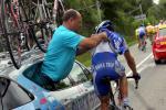 图文-环法第六赛段麦克伊文夺冠技师援助瓦瑟尔
