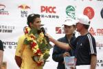 图文-环青海湖自行车赛第三赛段何欣接受采访