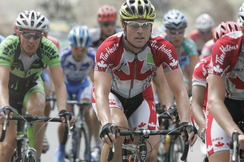 图文-环青海湖自行车赛第7赛段外国帅哥实力不俗