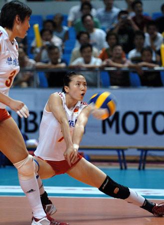热身赛中国女排3比0德国 周苏红防守密不透风