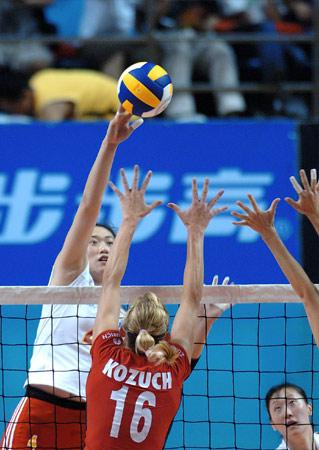 热身赛中国女排3比0德国 刘亚男单拳能敌四手