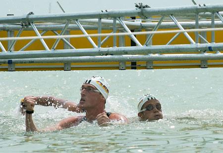 图文-欧洲游泳锦标赛公开水域卢尔茨激动不已