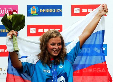 图文-游泳欧锦赛首日公开水域5公里俄女将封后