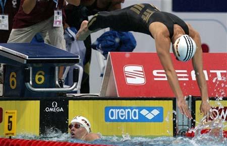 图文-德国女队打破游泳世界纪录配合相当默契