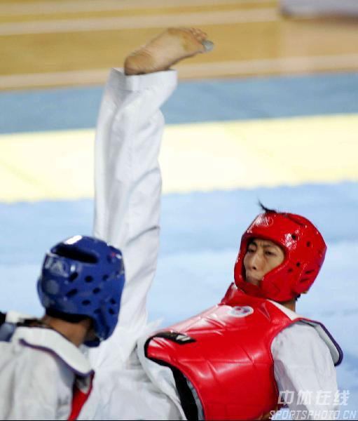 图文-中国跆拳道公开赛赛况朱木炎主动进攻