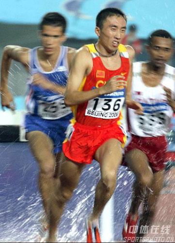 图文-田径世青赛第五日激战3000米障碍林向前第六