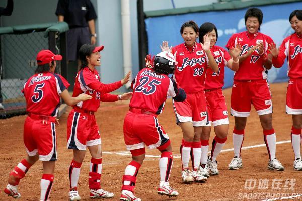图文-女垒世锦赛日本7比1委内瑞拉东洋魔女庆大胜