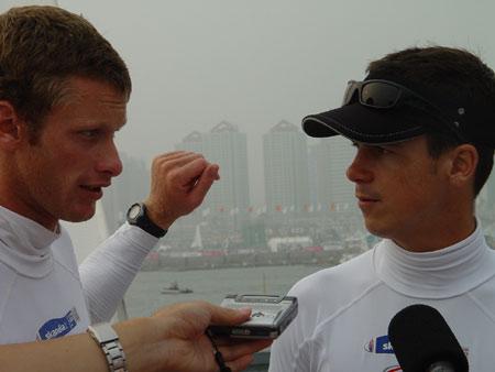 图文-青岛国际帆船赛奖牌轮男子470级英国称王