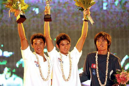 图文-青岛国际帆船赛闭幕中国方镇南尼尔级称王